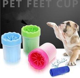 Großhandel Pet Fußuntersetzer weicher Silikon-Fußdusche Cup bewegliches Haustier Waschmaschine Cup Pet Pflegenbürste Hundewaschmaschine Hand-Fuß-Reinigungswerkzeug LSK311