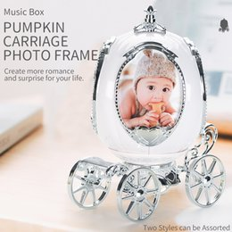 TW2005103 Music Box Royal Carriage Photo Frame two styles can be assorted fix photos on Sale