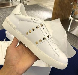 navy dress fabric UK - All White Lady Comfort Casual Dress Shoes Sport Sneaker Mens Casual Leather Shoes Designer Casual Sports Skateboarding Shoes Lowtop Sneakers