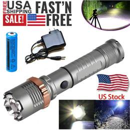 3800LM Uppgraderad T6 Taktisk LED-ficklampa Uppladdningsbar Polis Vattentät Zoombar Vandring Kraftfull Torch 18650 Batteri + Direkt Laddare