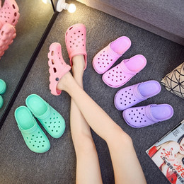 massage slippers sandals UK - Summer women's thick-soled non-slip hole shoes massage Korean style Sandals and slippers Massage Slippers lovers sandals garden shoes