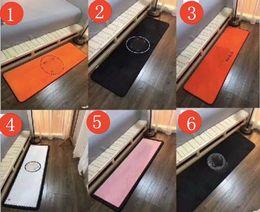 Wholesale brand area rug black white flannel floor carpet for kitchen room bedroom long floor rug functional
