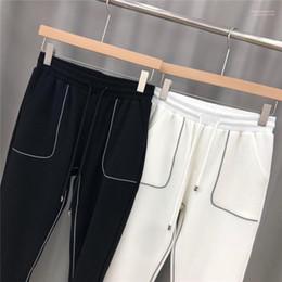 Wholesale pant back pocket resale online – Line Back Pocket Letter Embroidery Mens Pants Fashion Males Clothing Mens Designer Panelled Pants Casuual Reflective