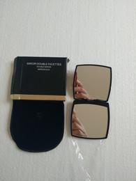 Moda Marca Compact Espelhos espelhos cosméticos de luxo mini-espelho de mão maquiagem beleza ferramenta de higiene pessoal portátil dobrável facette espelho 2-Face em Promoção