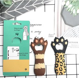 beer fridge wholesale UK - Cat Paw Beer Bottle Openers Magnet Paw Claw Shaped Bottle Openers Cute Bar Opener Tool Corkscrew Kitchen Bar Fridge Magnets Tools AHF3344