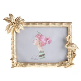 resin photo frame picture UK - Europe Photo Frame Golden 5 Inch 6 Inch 7 Resin Picture Frame Desktop Decoration