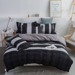 queen bedding sets red black white NZ - 3 4pcs bedding set printed stripe bed sets white black Duvet Cover European size King Queen Double Quilt Cover Comforter