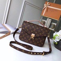 Großhandel Luxus KlassikLOUISTasche aus LederVUITTONHandtasche der Frauen Designer LuxusLOUISVSchulterbeutel diagonale ba TTE