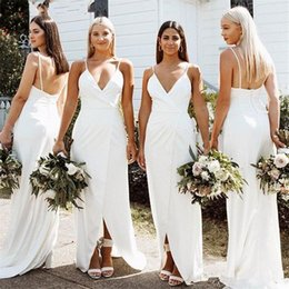 v neck wedding guest dress UK - 2020 Elegant Bohemian Sheath Beach White Bridesmaid Dresses Spaghetti V -Neck Sleeveless Buttons Back Wedding Guest Dresses With Front Slit