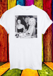 Jayne Mansfield Sophia Loren Guardando Boobs Uomini T-shirt Her