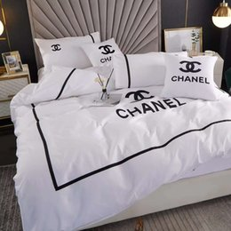 Branded Cotton Bedding Sets Home Letter Embroideried Quilt Cover SetsPillow Cases Sheet Europen Style Duvet Cover