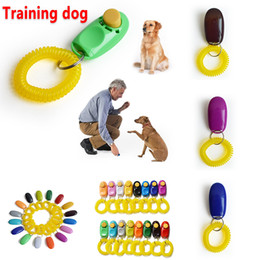 Dog klingender Schnapper pet Sound Trainer Handgelenkband Hundetrainingswerkzeug für Hunde 16 Farben w-00154 im Angebot