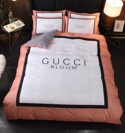 Branded Cotton Bedding Sets Fashion Horse Adult Printed Letter Flower Duvet Cover Quilt Cover Sets Brief Bedclothes No Filling