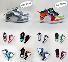 Les enfants de basket-ball air jordan 1 I enfant en bas âge DESIGNER Sneaker Green Pine Royal Game Travis Scotts Ombre Chicago Bred bonbons Mid multi-couleurs 2020 Chaussures en Solde