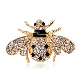 wedding dresses for men red color UK - New Crystal Brown Green Color Bee Brooches For Women And Men High Quality Suits Dress Sweater Brooch Pins Hat Collar Pin Gift