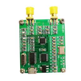 Pequeño 140MHz Tamaño de Barrido de Frecuencia 4.4GHz RF del generador de señal de RF simulador Módulo Generador con puerto USB Software en venta