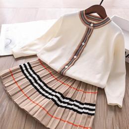 Ingrosso Moda ragazze vestiti maglione ragazze abiti cardigan + Pieghe gonne 2pcs / set di charme vestiti dei capretti bambini abiti principessa vestiti delle ragazze B1970
