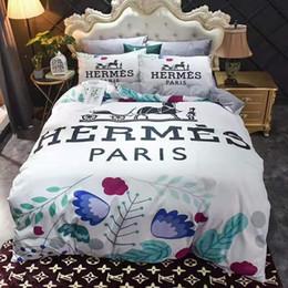 Branded Cotton Bedding Sets Fashion Cartoon Adult Printed Letter Flower Duvet Cover Quilt Cover Sets Brief Bedclothes No Filling