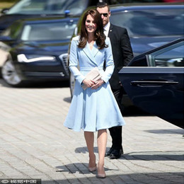 princess kate dresses Australia - Princess Kate Middleton UK Runway 2020 Spring And Autumn New Cotton And Linen Sky Blue Windbreaker Jacket Slim Party Party Dress