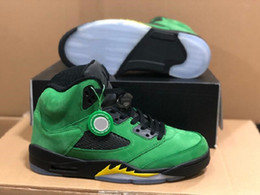 apple bowl Australia - New Exclusive 5 Oregon Ducks Elevate Athletic Shoes Apple Green Black Yellow Strike Black Fashion Chaussures Trainers Best Quality With Box