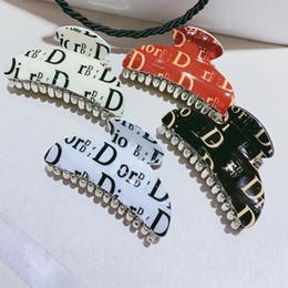 Diseñador multistyle Carta garras del pelo de las mujeres de acrílico Carta abrazadera del pelo accesorios del pelo de alta calidad Epacket envío en venta