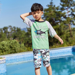 sun swimwear NZ - Boys Two Piece Rash Guard Swimsuits Kids Short Sleeve Sunsuit Swimwear Sets with Hat Swim Shirt & Tunks Sun Protection Bathing