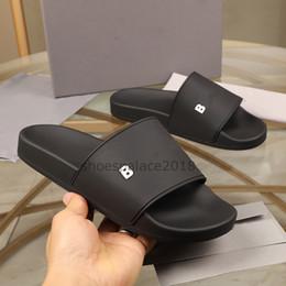 Toptan satış 2021 Paris Kaydırıcılar Erkek Bayan Yaz Sandalet Plaj Terlik Bayanlar Flip Flop Loafer'lar Siyah Açık Ev Slaytları Boussures Ayakkabı Kutusu
