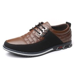 new shoe design male UK - Design New Genuine Leather Loafers Men Moccasin Fashion Sneakers Flat Causal Men Shoes Adult Male Footwear Boat Shoes