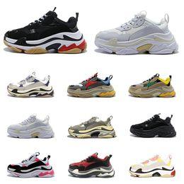 Wholesale 2020 New Arrivlas Triple S Climbing Shoes for men women vintage dad platform paris 17FW Grey white black Combination Soles trainers Sneakers