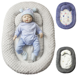 Wholesale Newborn Baby Sleeping Bed Bassinet For Bed Portable Lounger Toddler Crib Breathable Sleep Nest With Pillow Sheets