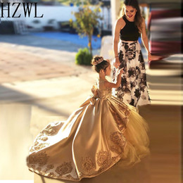 Wholesale 2020 Lace Applique Satin First Communion Dresses Kids Evening Ball Gown Bow Back Girls Pageant Dress Jewel Flower Girl Dresses