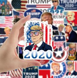 Vente en gros Donald Trump 2020 Autocollants de voiture Poster autocollant pour voiture Drapeau Marque Amérique Gardez Grands autocollants pour voiture Styling Véhicule Paster 50Pcs / Paquet D91705