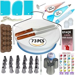nozzle for pastry UK - Cake Decorating Tools Kit Turntable Bakeware Nozzles For Cream Pastry Bag Icing Piping Tips Wedding Baking Tools For Cupcake T200523