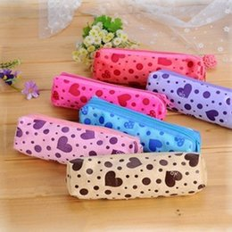 cosmetic bags hearts wholesale Australia - Women Cosmetic Case Dot Heart Printed Velvet Cute Cosmetic Bags Long Makeup Case Girl Female Zipper Pencil Bags r2oA#