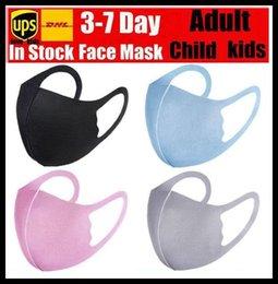 Venta al por mayor de En la acción de seda de hielo reutilizable lavable máscara de tela mascarilla de paquete individual Máscaras de diseño para niños adultos Máscaras envío libre de DHL