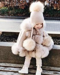 venda por atacado Infante do bebê princesa Menina Brasão Moda inverno quente Fur com capuz Casaco Jacket Crianças poncho Roupas Crianças Meninas bonito Casacos