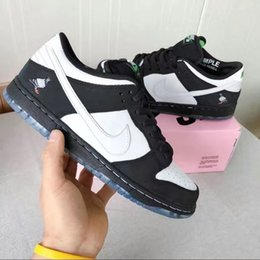 elastic cream NZ - 2020 New arrival Mens and Womens Chunky Dunky Sneakers Low Skateboard Civilist SB Running Shoes Milk ice cream SB22 020