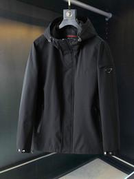 Wholesale retro windbreaker jackets for sale – winter 20ss men Windbreaker brand casual retro jacket high quality imported Blend Pocket waterproof zipper design Autumn and winter hoodie
