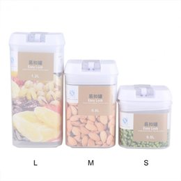 sealed jars Australia - Transparent Sealed Jars With Buckle Household Storage Kitchen Snack Sealed Jars