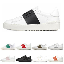 Men Womens White Black Red trainers Fashion Mens Women Leather Breathable Open Low outdoor sports sneakers Dress Shoes on Sale