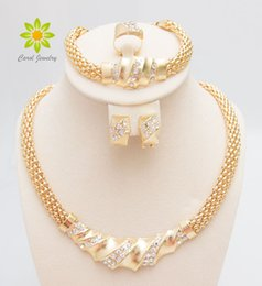 crystal bridal jewlery NZ - Free Shipping African Gold Color Charming Fashion Romantic Bridal Fashion Necklace Crystal Vintage Women Costume Jewlery Sets LJ200904