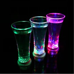 coolest mugs Canada - Funny Drinkware Rainbow Color Cup Flashing LED Cups Water Mug Cool Drink Beer Wine Glasses Bar Party Decoration Sea Shipping DDA170