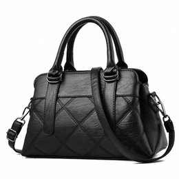 fashion leather handbags europe UK - 2020 2020 New Style Europe And America Cool Mommy Bag Plaid Middle Aged Women Bag Handbag Soft Leather Shoulder Ladies Totes XcpJ#