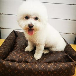 Queda Inverno Engrosse LETRA PET Kennels Vintage impressos Animais de estimação Casas 3 cores Lovely Charm Bulldog Leather Bed em Promoção