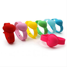 10ml Hand Sanitizer Silicone Wrist Bracelet Heart Shaped Wristband Portable Soap Dispensing Squeezy Strap Ring Bangle on Sale