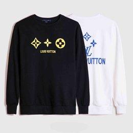 Wholesale black white stripe sweater men resale online – Fashion Men s Hoodie Fashion Black and White Men s Women s Couple Sweaters Famous Men s High Quality Wave Stripe Printed Sweatshirt M XL