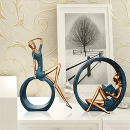 Wholesale european designer jeans for sale – denim Decoration Accessories Girls Christmas Gift European Style Resin Crafts Reading Ornaments Art Living Room Home Decor