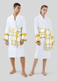 2021 Men Robes Nightgown 5A quality Luxury design Bathrobe Pajamas Gown Cotton Italy Women Sleepwear Casual Home Wear