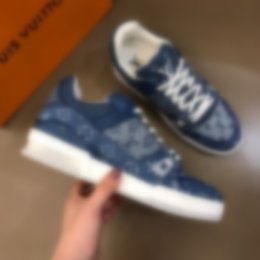 2020 New Fashion Shoes Man CasualLOUİSVVVUİTTONLuxury handmade Moccasins fashion social shoes 74