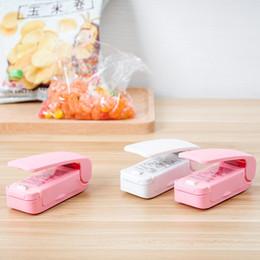Venta al por mayor de Mini máquina de sellado de calor portátil sellador de hogar sellado envasado bolsa de plástico plástico ahorro de almuerzo herramienta de cocina HAY1668